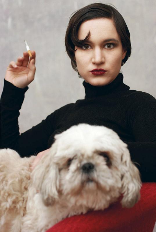20er-stil Frau mit Hund